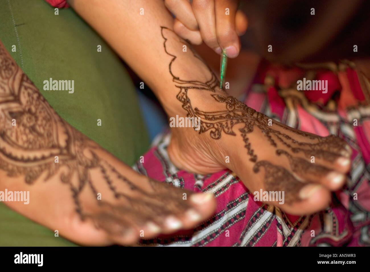 Henna Tattoo Feet Stock Photos Henna Tattoo Feet Stock Images Alamy