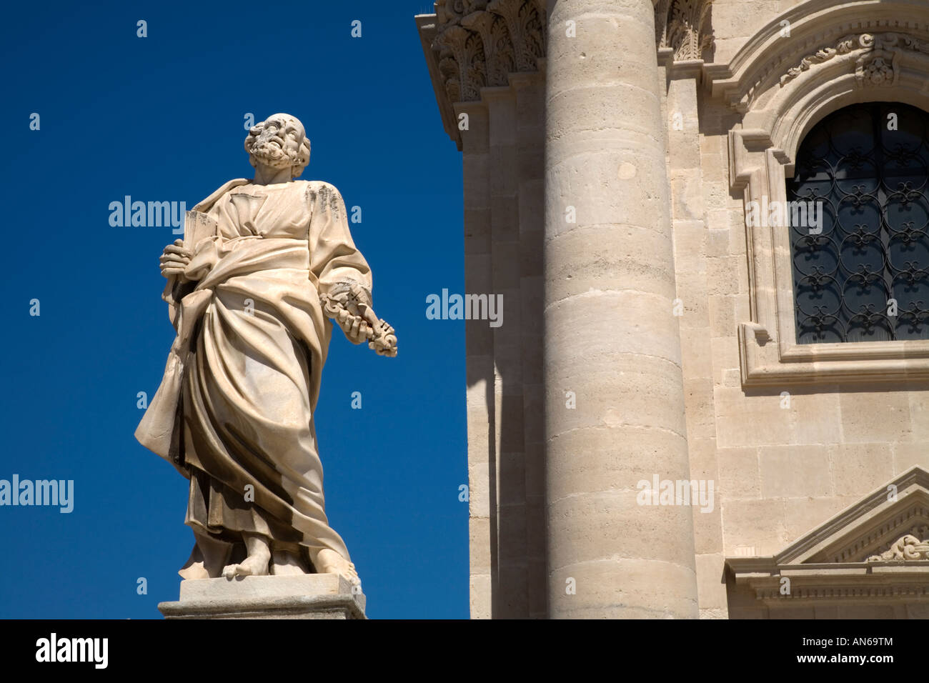 Statue of St Peter the Apostle Duomo Ortygia Siracusa Sicily Italy - Stock Image