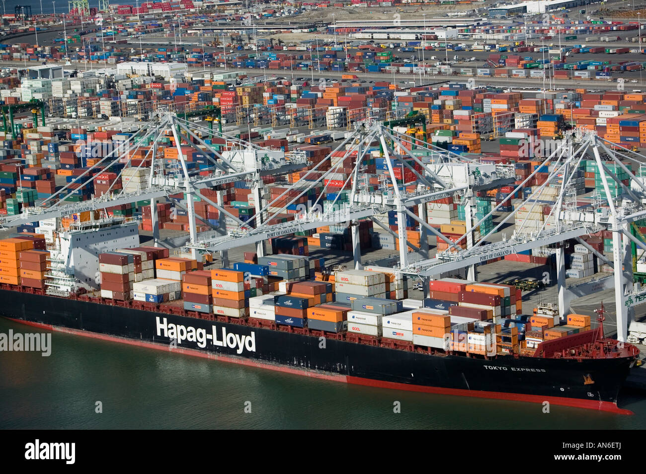 aerial view of Port of Oakland, Hapag-Lloyd containership containers from above - Stock Image