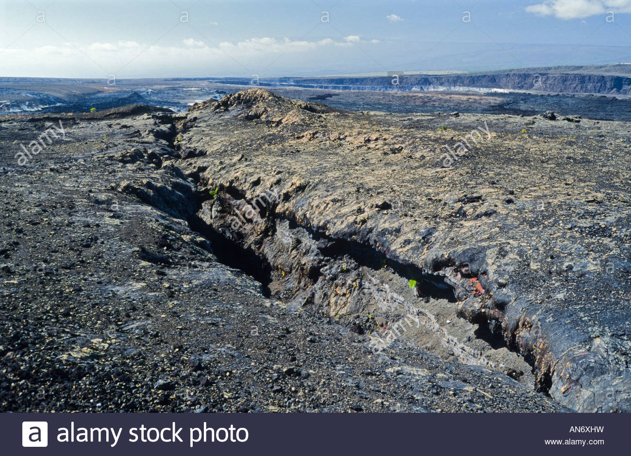 landscape volcanic fissure crack rift Halema'uma'u crater Kilauea volcano caldera Volcanoes National Park Hawaii - Stock Image