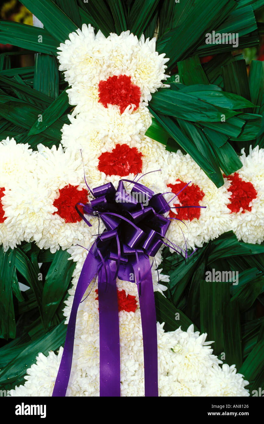 Mexican funeral stock photos mexican funeral stock images alamy mexico xochimilco flowered funeral cross stock image izmirmasajfo