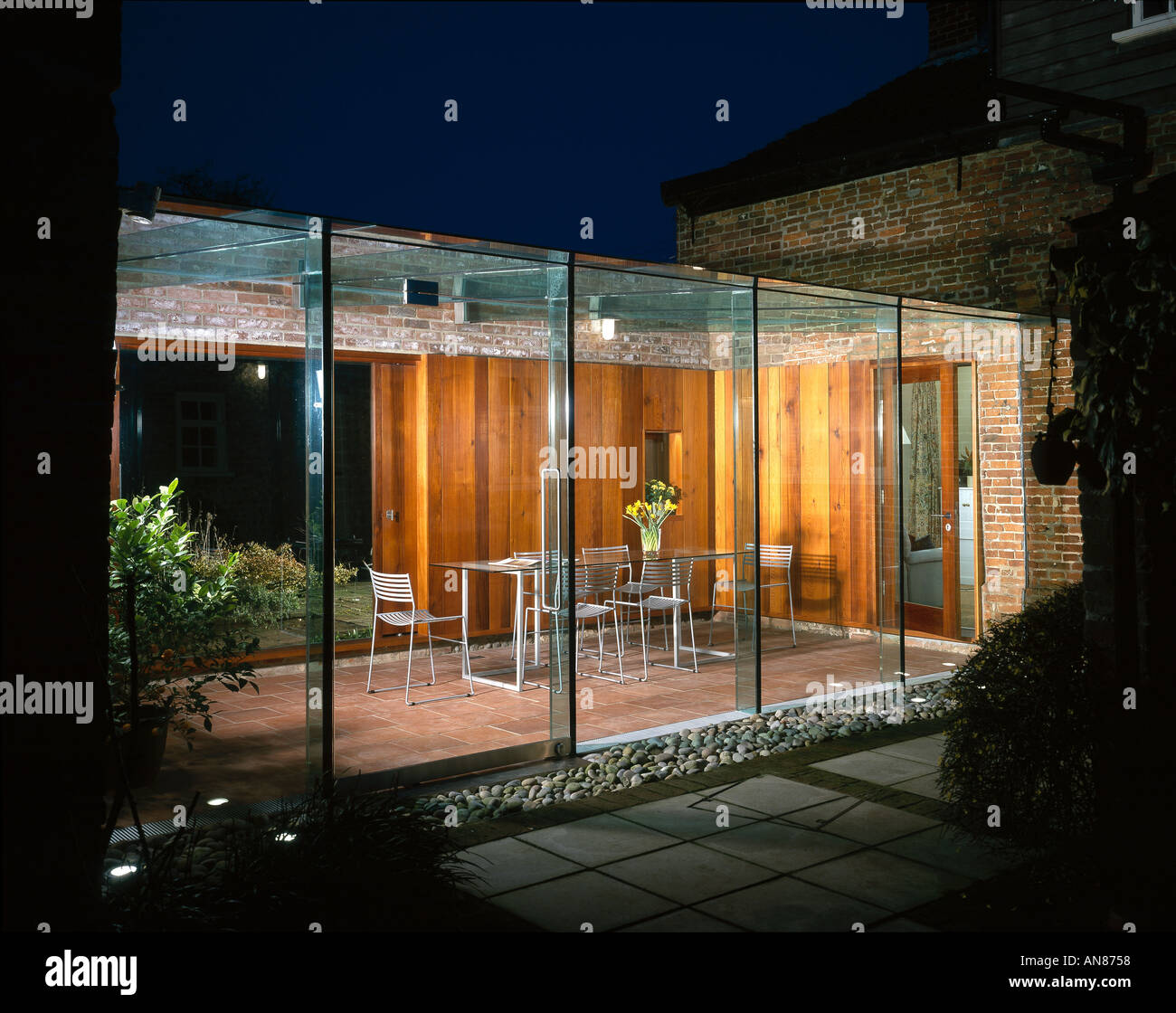 Plovers Hill House, Norfolk, 2000 - Glass extension. Architect: DSDHA - Stock Image