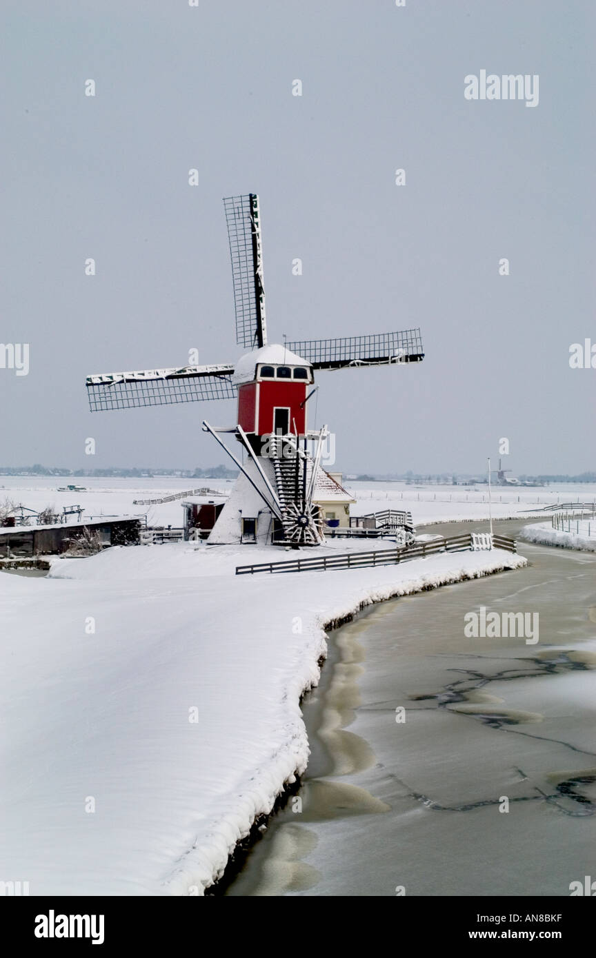 Windmil in winter near leiden Oud Ade snow white - Stock Image