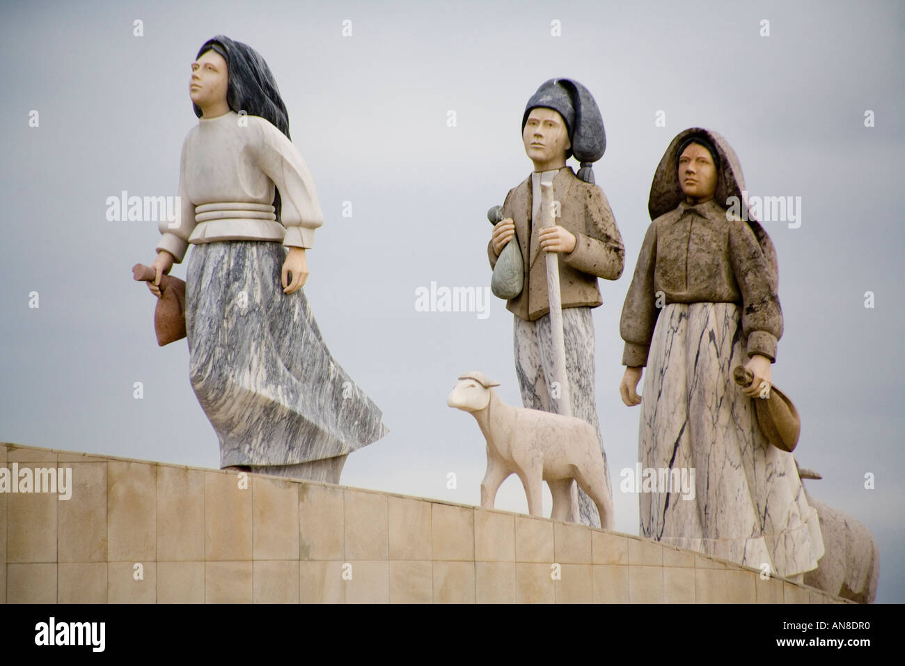 FATIMA PORTUGAL Statue of Lucia de Jesus and her cousins Jacinta and  Francisco Marto three shepherd 70d86f47f40