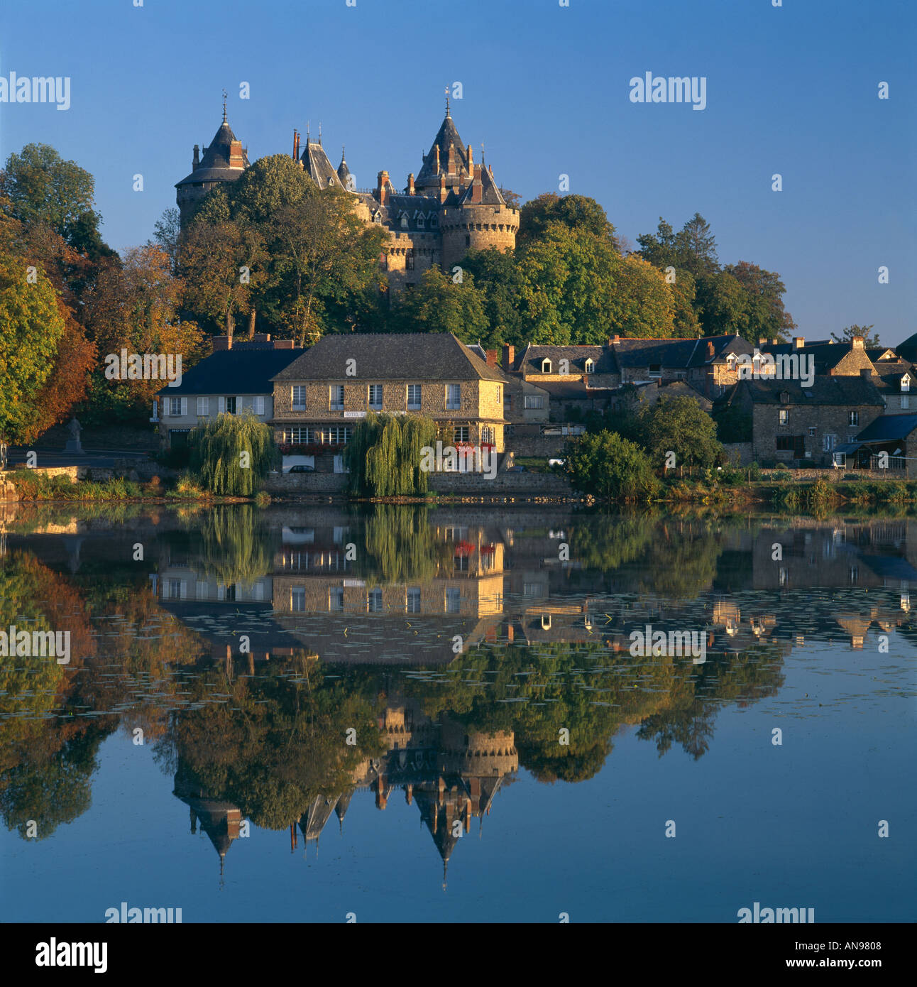Combourg and Chateau, Brittany. Overall exterior. - Stock Image