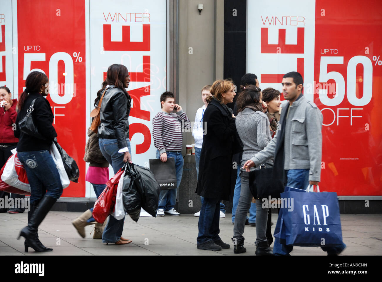 Christmas 2007 West End sales London Oxford Street - Stock Image