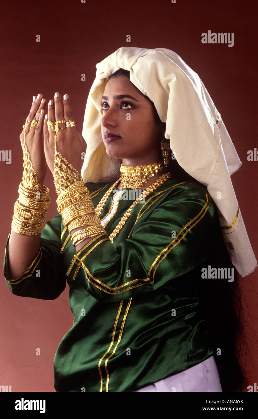 BRIDAL COSTUME OF MUSLIMS KERALA Stock Photo 8835895 , Alamy