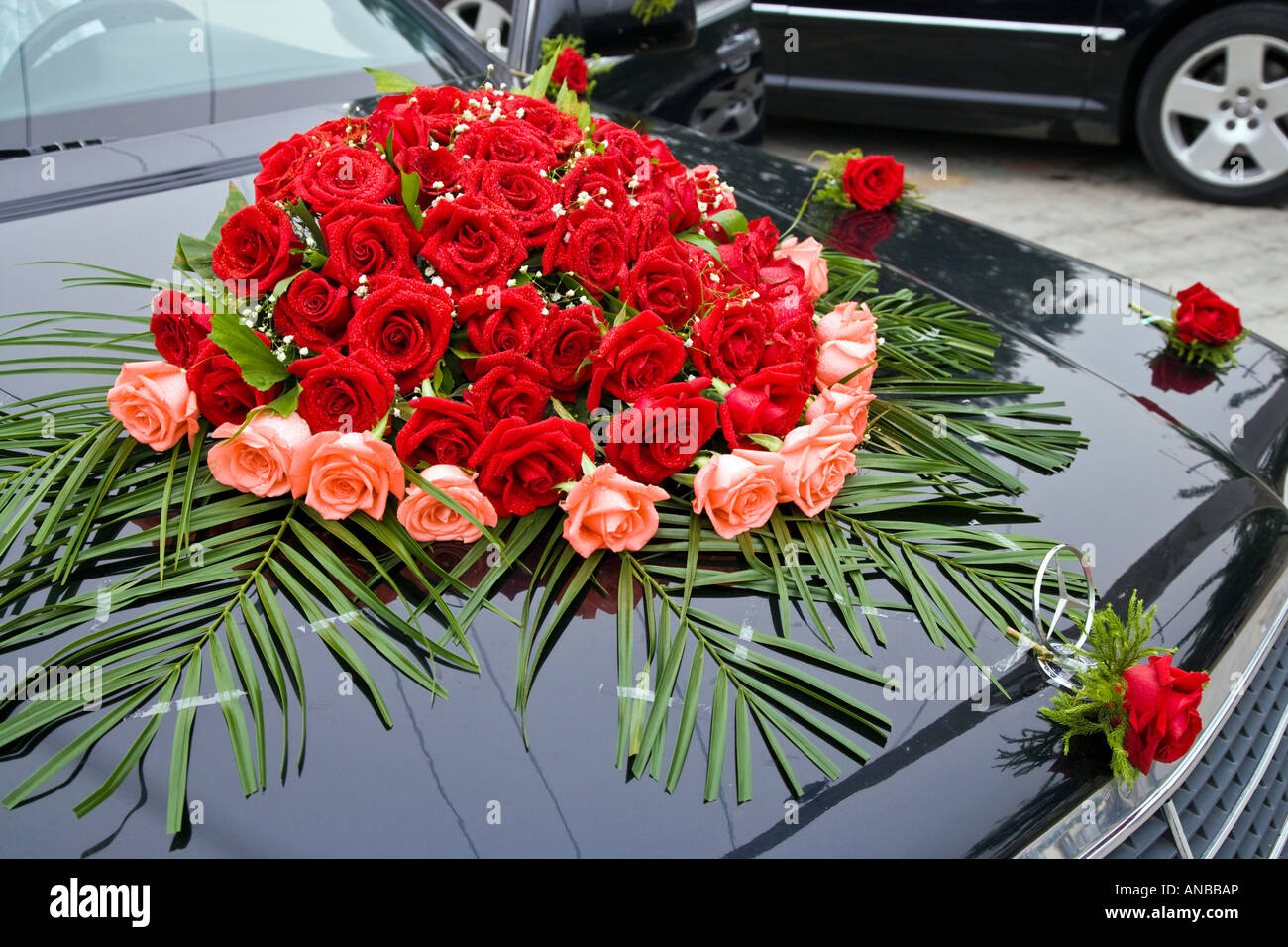 Bouquet Of Flowers On Bonnet Of Wedding Car Beijing China Jmh2926 Stock Photo Alamy