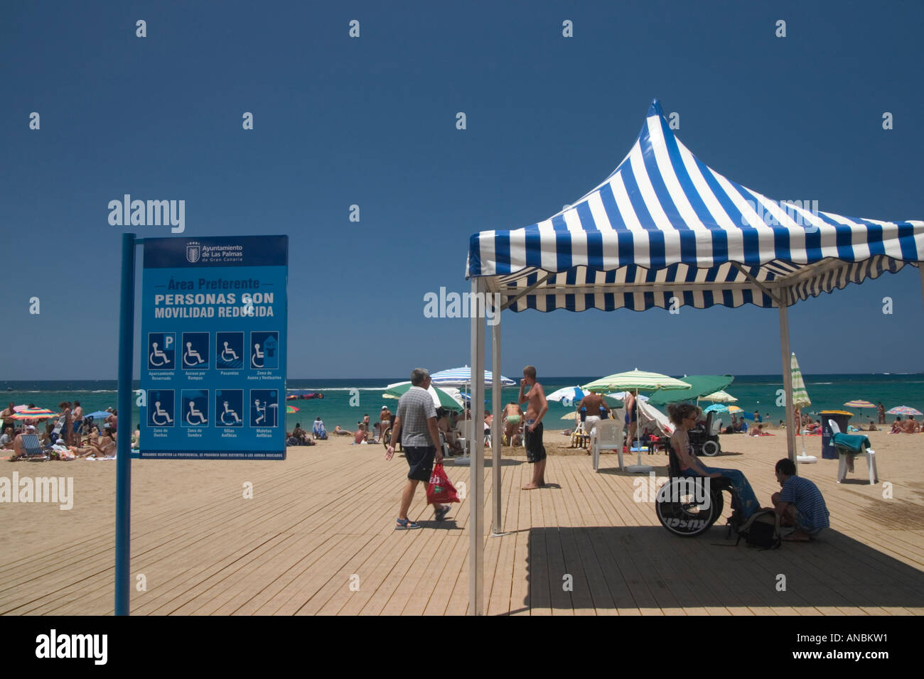 Decked area of beach allowing wheelchair access. Playa de Las Canteras, Las Palmas, Gran Canaria Stock Photo