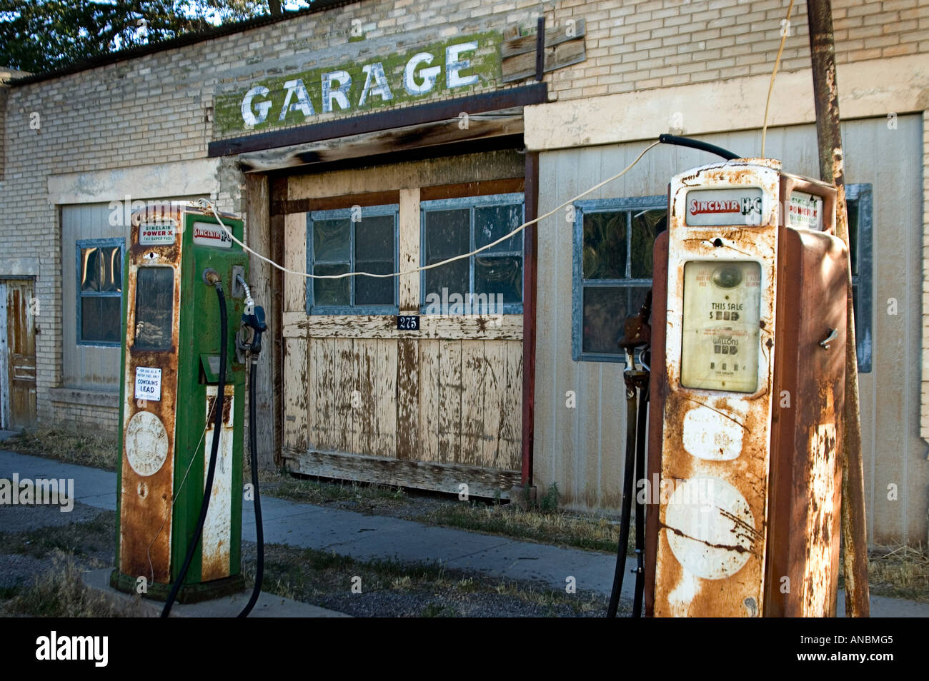 Old Abandoned Gas Station With Gas Pump Out Front Stock Photo Alamy