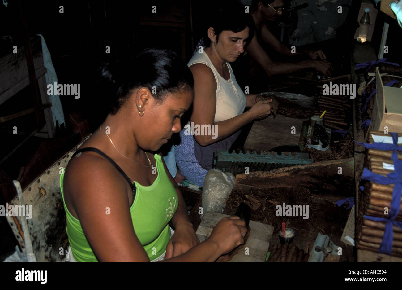 Women worker manufature cigars Trinidad Cub - Stock Image