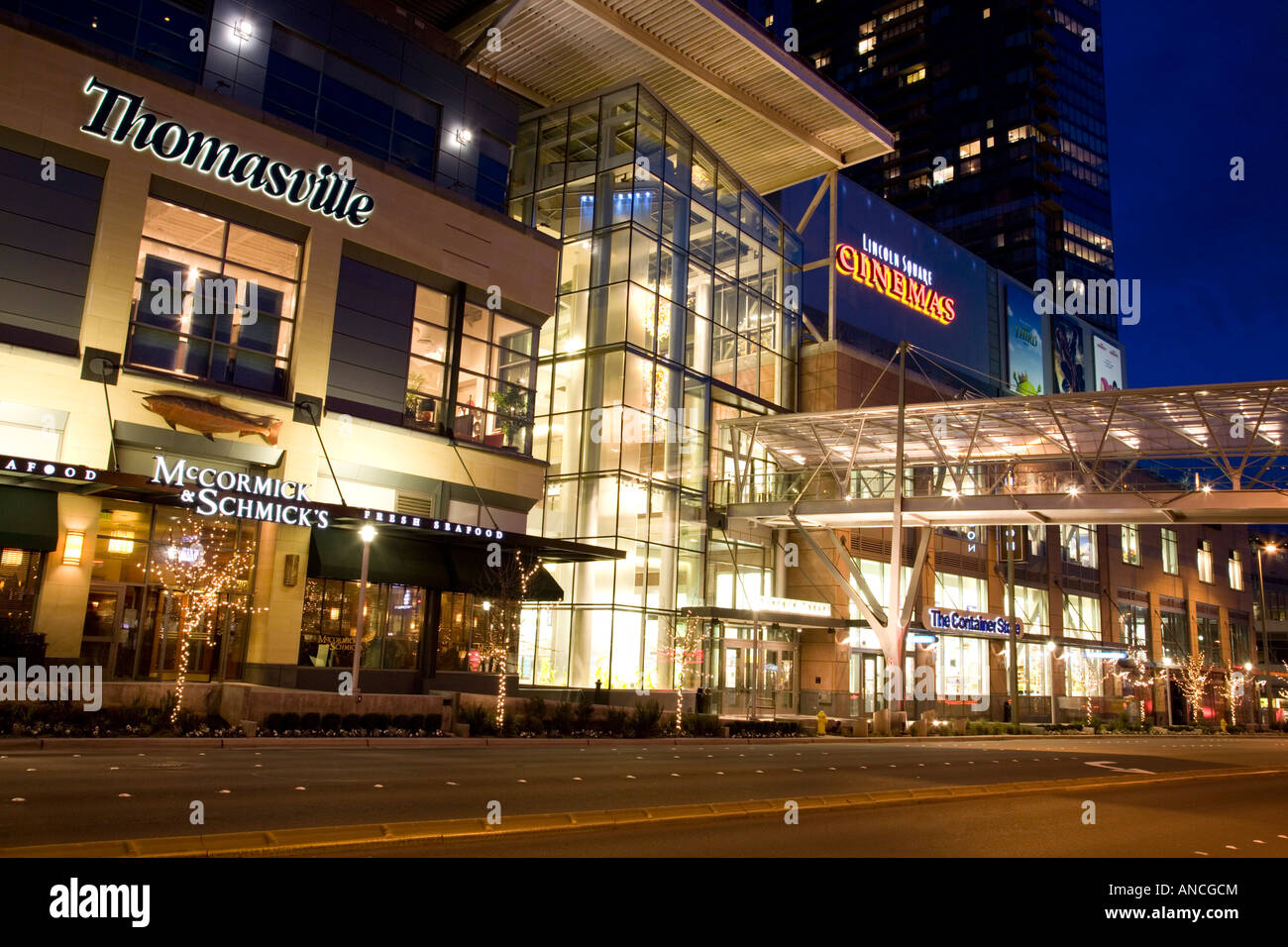 Bellevue Square Mall >> Wa Bellevue Bellevue Square And Lincoln Square Shopping Area Stock