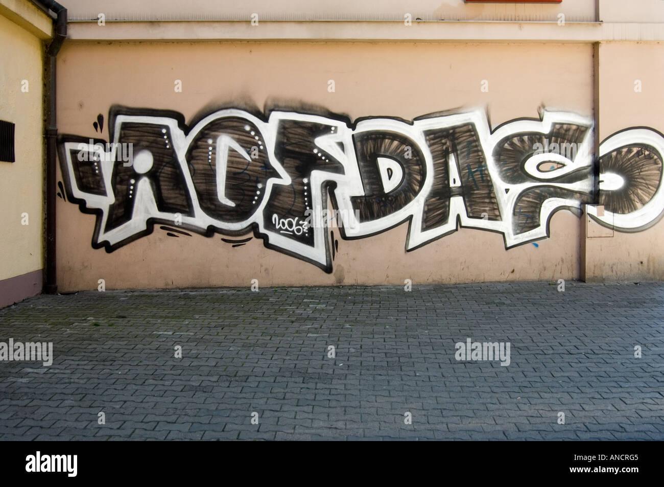 graffitti on Prague wall - Stock Image
