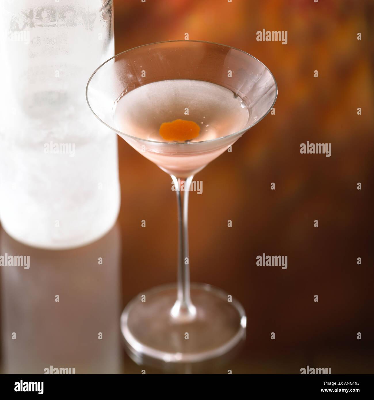 Cocktail Thunderbird Iced Vodka Parfait Amour Cassis Orange Zest