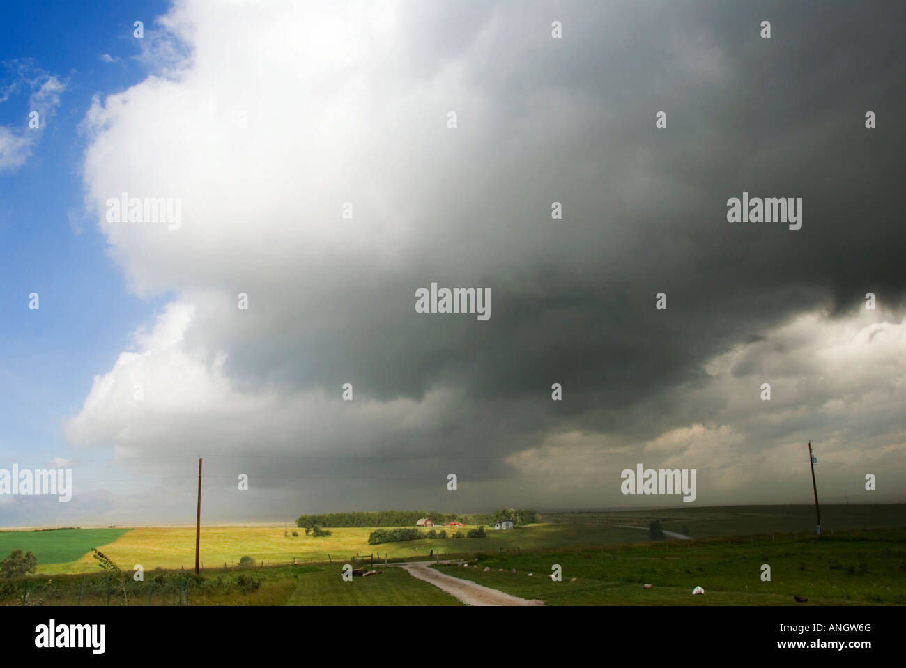 Cold Front advancing. A cold front is the boundry along which an advancing mass of cold air displaces a warmer air - Stock Image