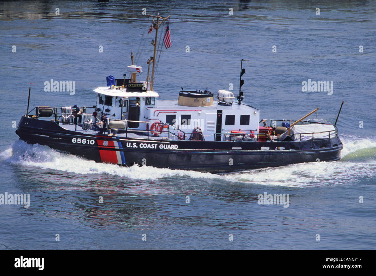 USA New York City US Coast Guard Boat on the East River Manhattan - Stock Image