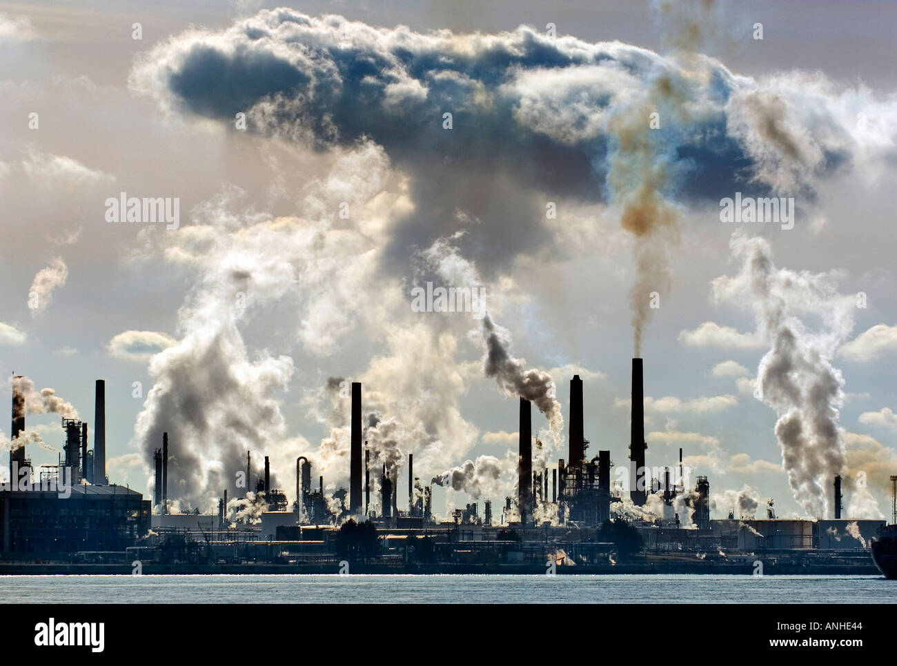 the severity of air pollution in ontario The detrimental effects of air pollution on health  severity of associated asthma  sizto r air pollution and hospital admissions in southern ontario:.