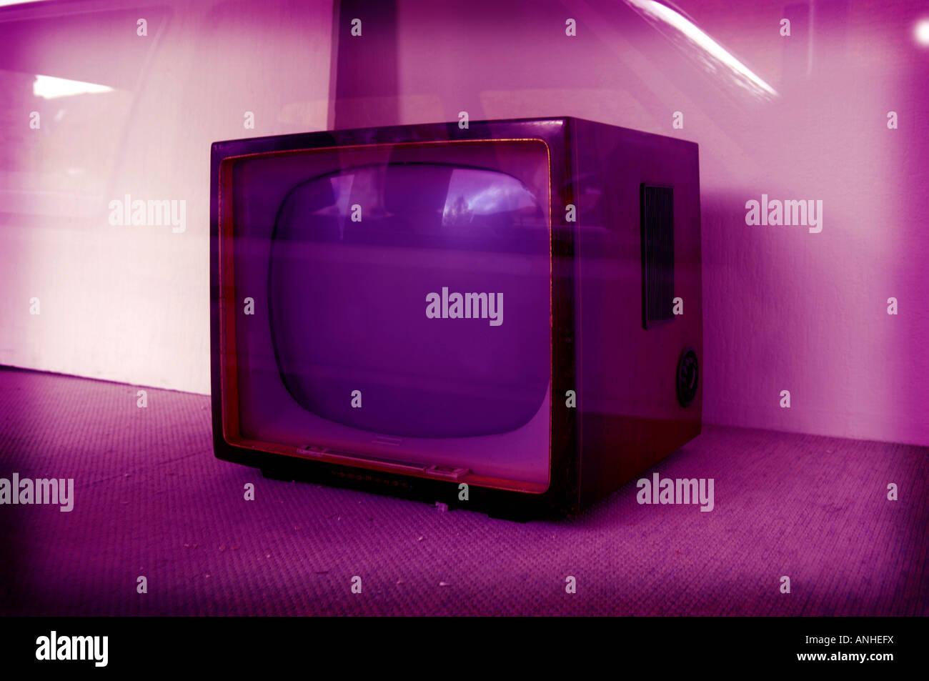 retro television set tv telly abandoned shop - Stock Image