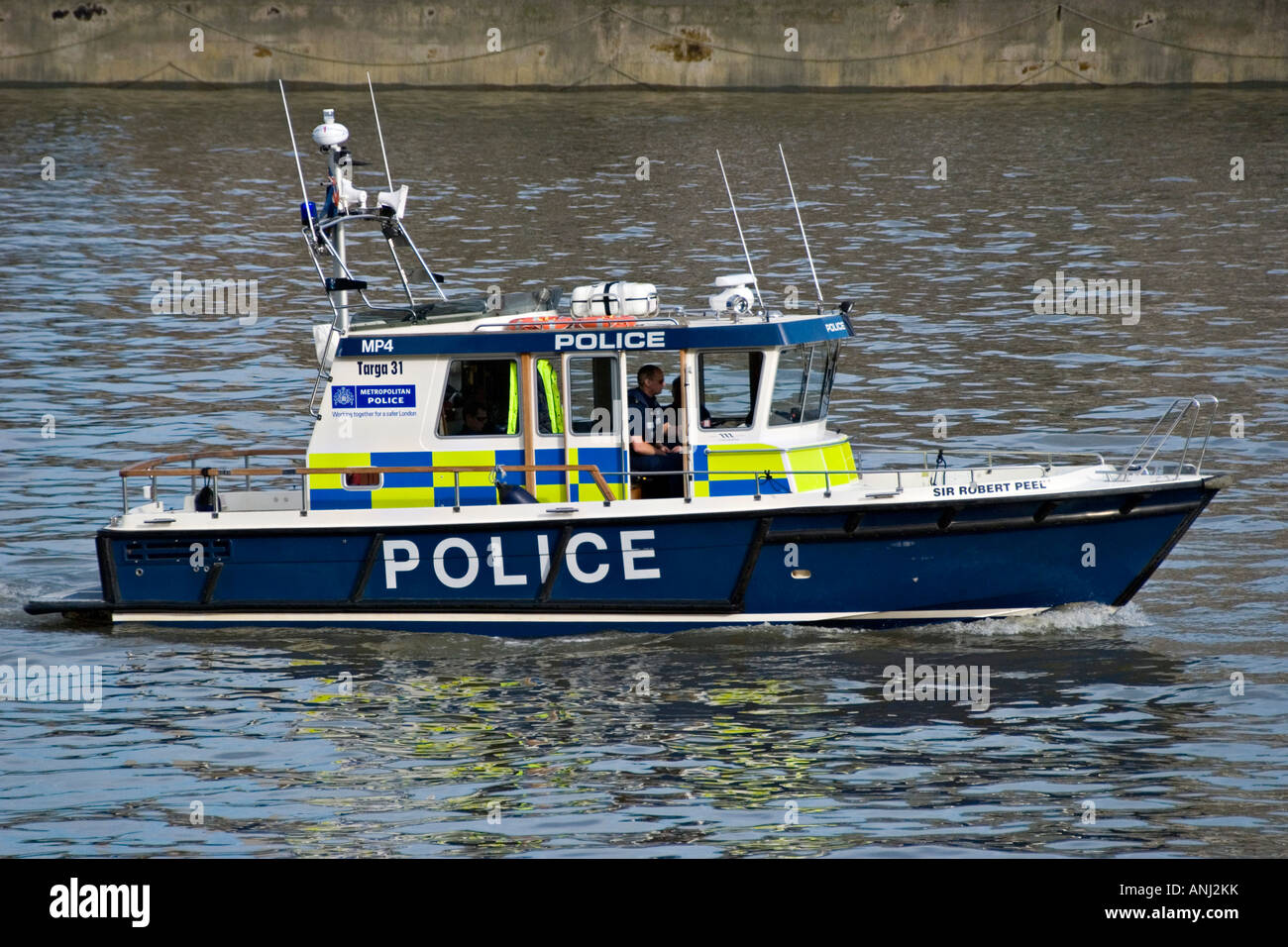 1ecc48b4 A police launch belonging to the Marine Support Unit of the Metropolitan  Police on the River