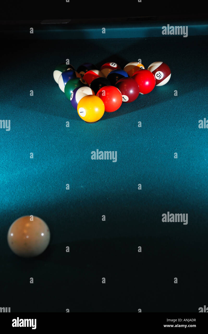 pool table set up for a game & pool table set up for a game Stock Photo: 15539266 - Alamy