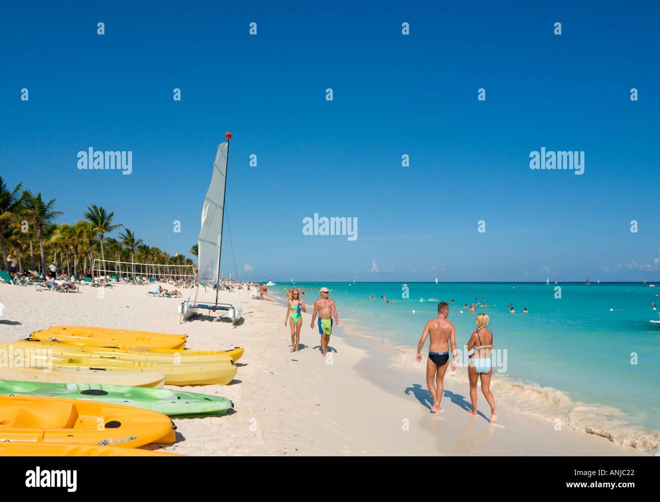 Beach outside Hotel Riu Yucatan, Playacar, Playa del Carmen, Riviera Maya, Yucatan Peninsula, Mexico - Stock Image