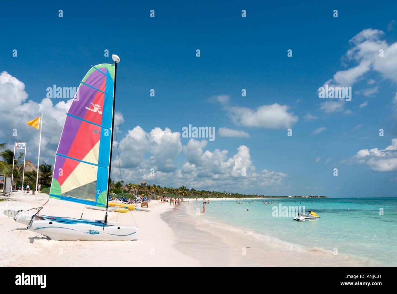 Beach outside Hotel Grand Palladium Colonial near Puerto Aventuras, Riviera Maya, Yucatan Peninsula, Mexico - Stock Image