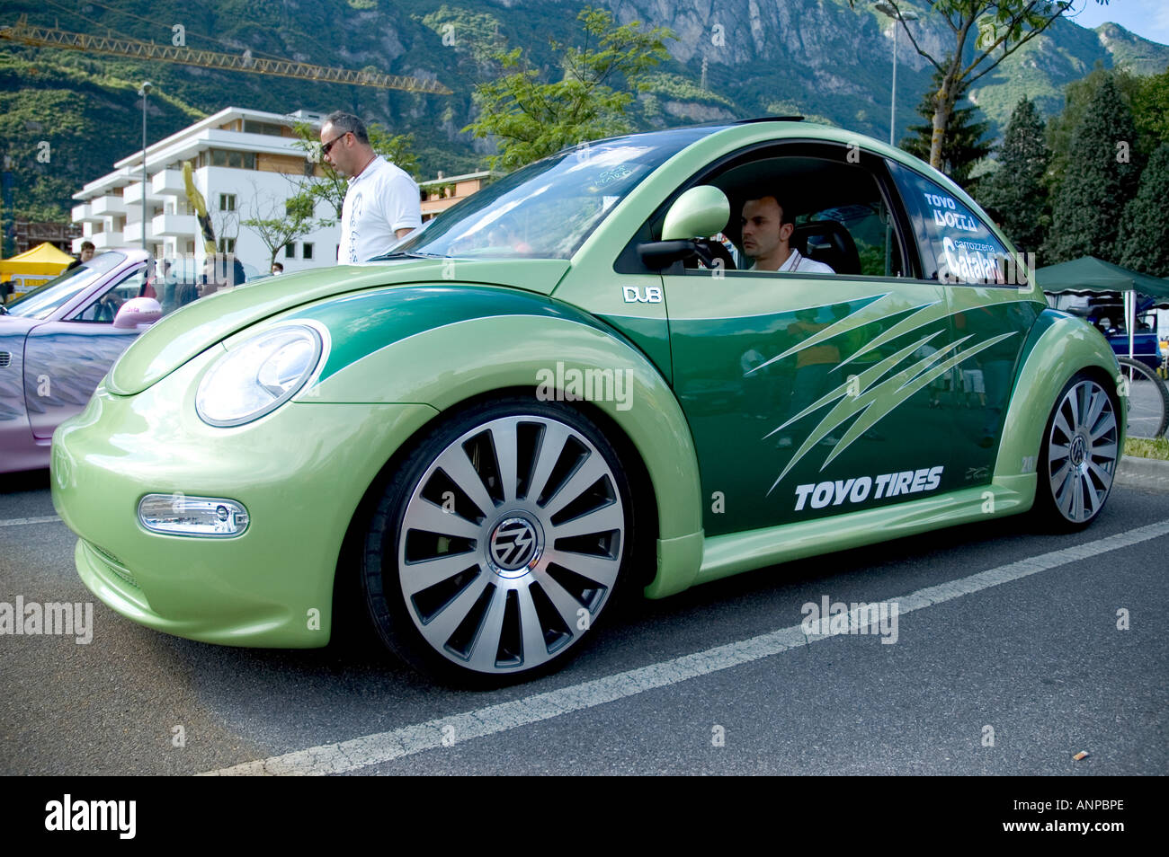 Green Volkswagen New Beetle Boario Tuning Show 2006