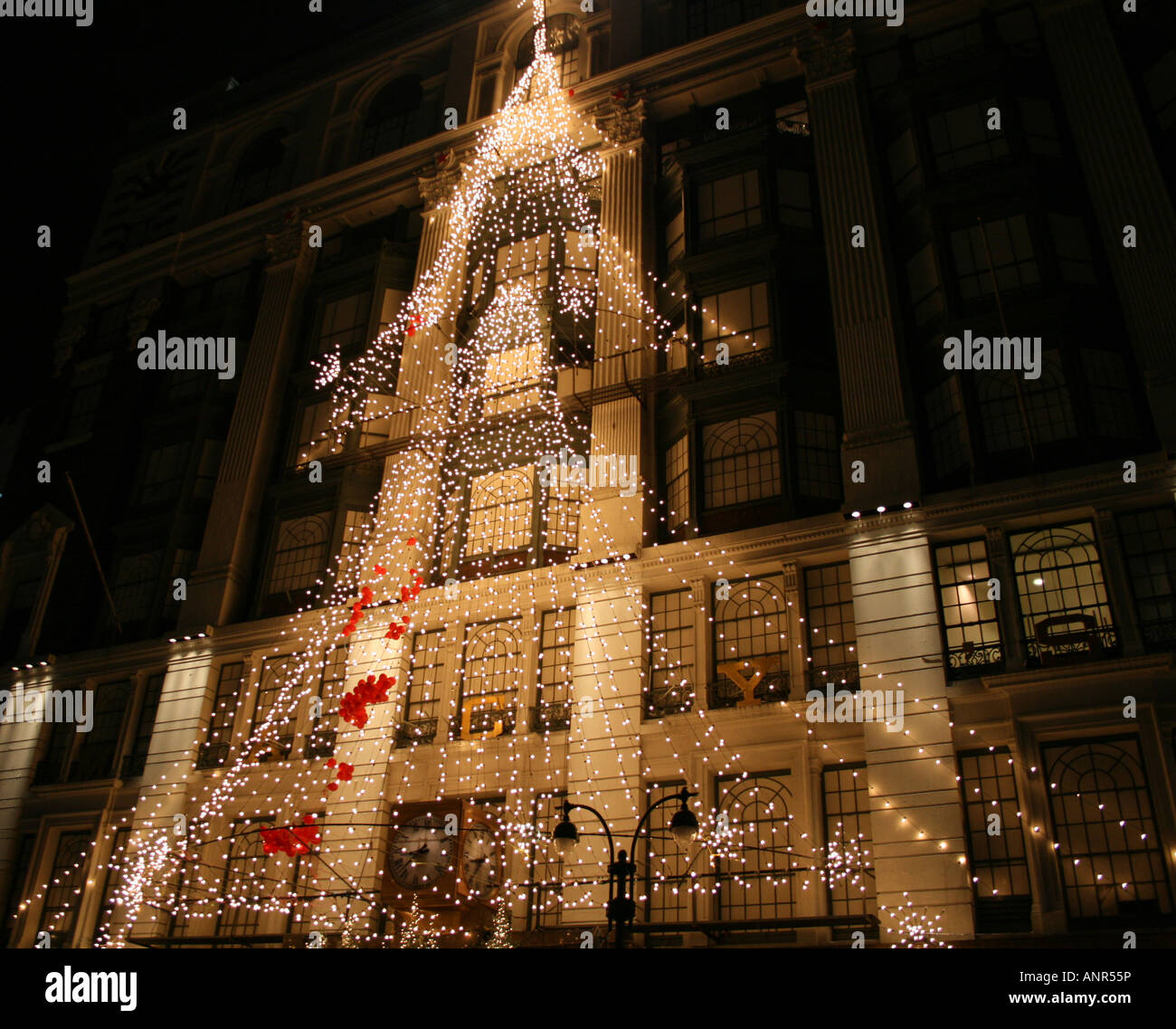 macy's Christmas tree of lights Manhattan New York City ...