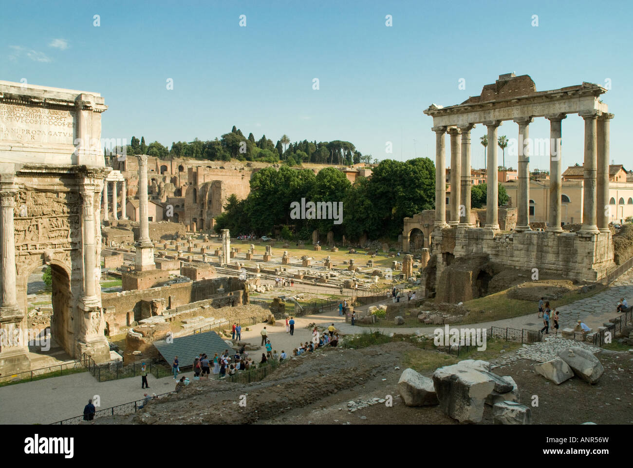 The Arch of Septimus Severus, Column of Phocas and Basilica Julia looking towards the Palintine in The Roman Forum - Stock Image