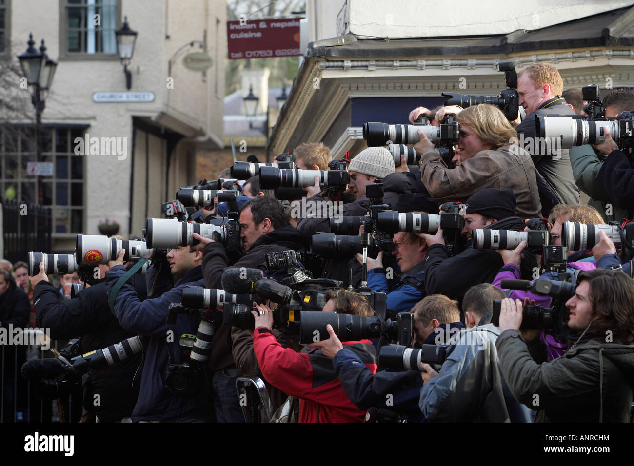 Photographers outside the Guild Hall in Windsor. Picture by James Boardman - Stock Image