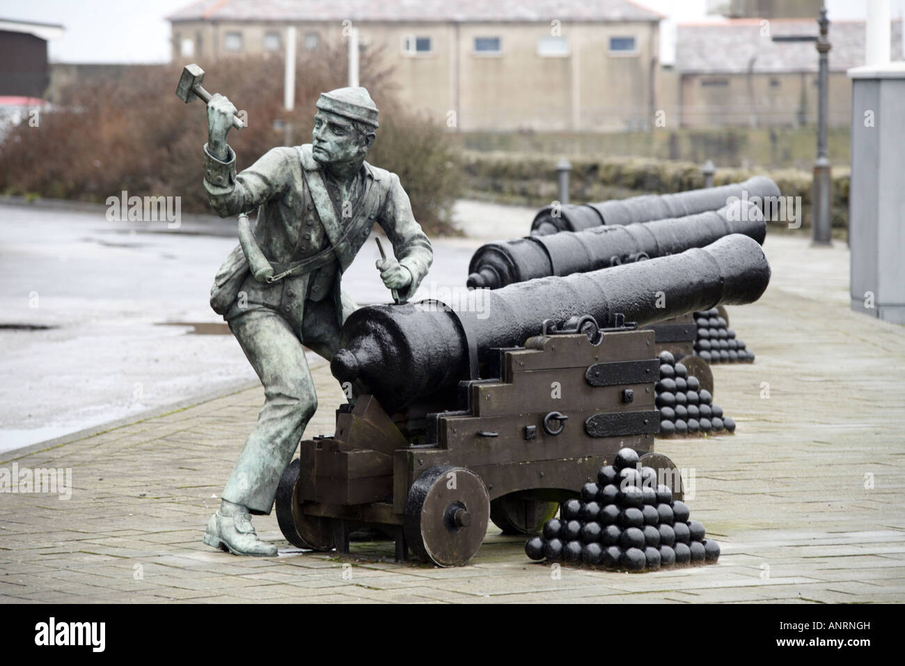 Sculpture commemorating the infamous John Paul Jones raid on Whitehaven - Stock Image