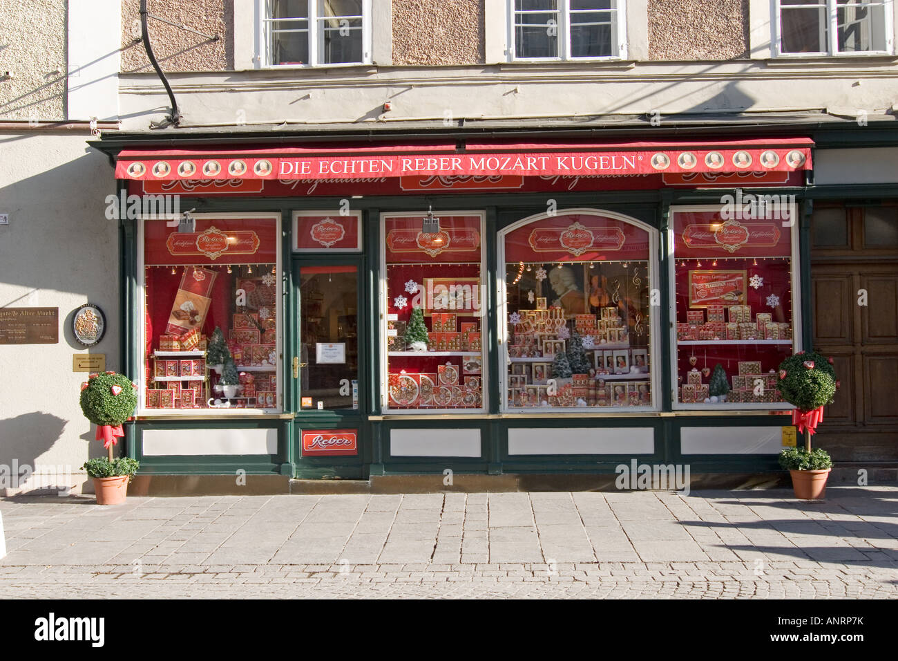 Mozart ball shop - Stock Image