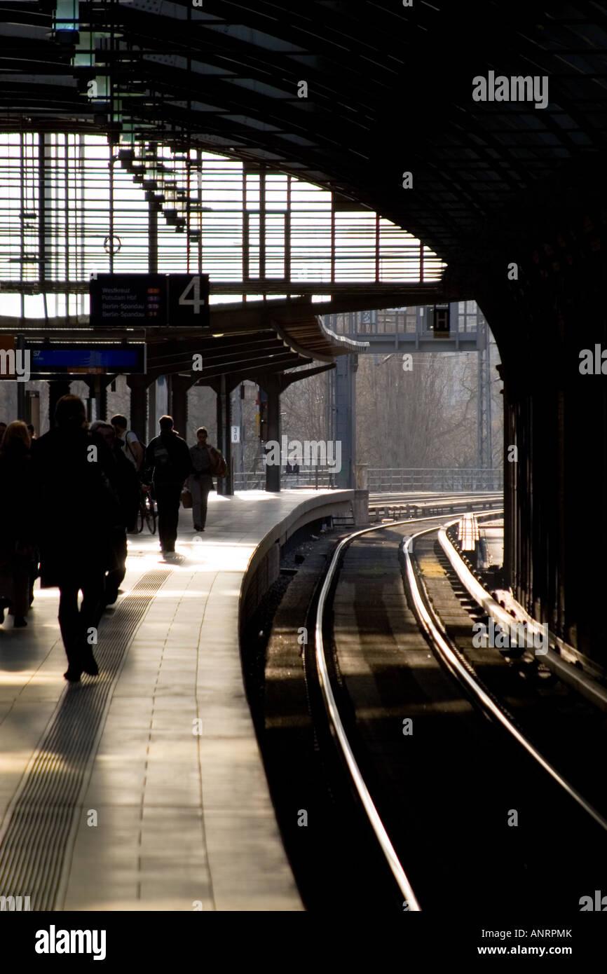Rapid-transit railway platform - Stock Image