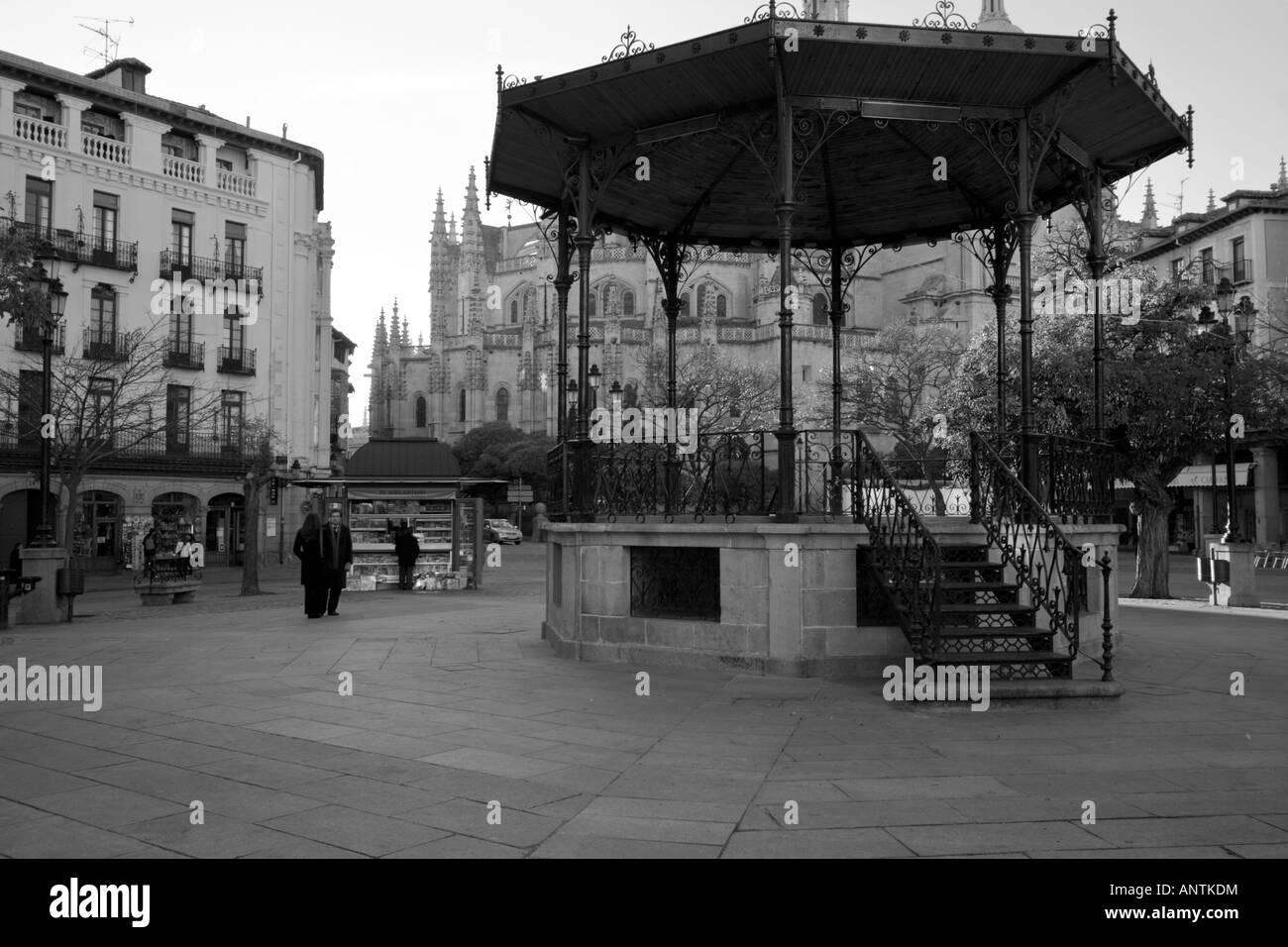 Rotunda in Segovia's old town plaza - Stock Image
