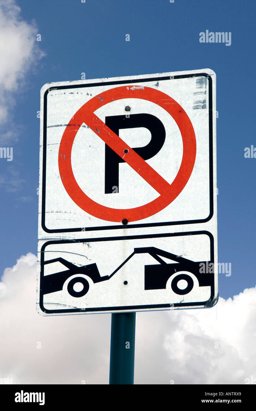 No Parking Towaway Zone sign - Stock Image