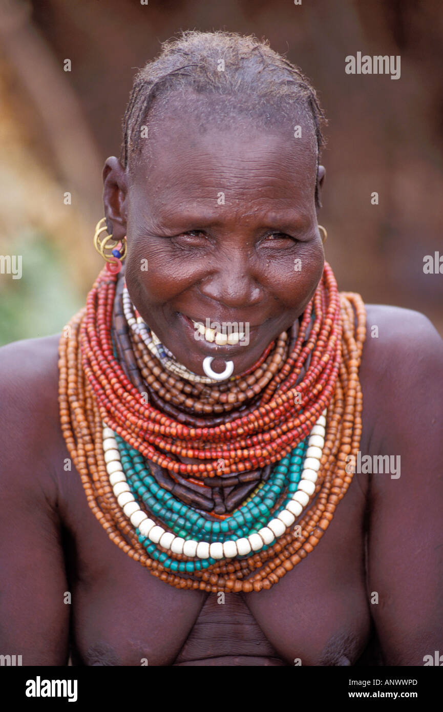 A Bume woman in her village in the Omo region of Ethiopia, Africa (MR) Stock Photo