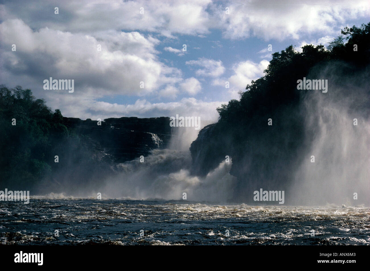 hacha falls canaima nationalpark region of gran sabena venezuela Stock Photo