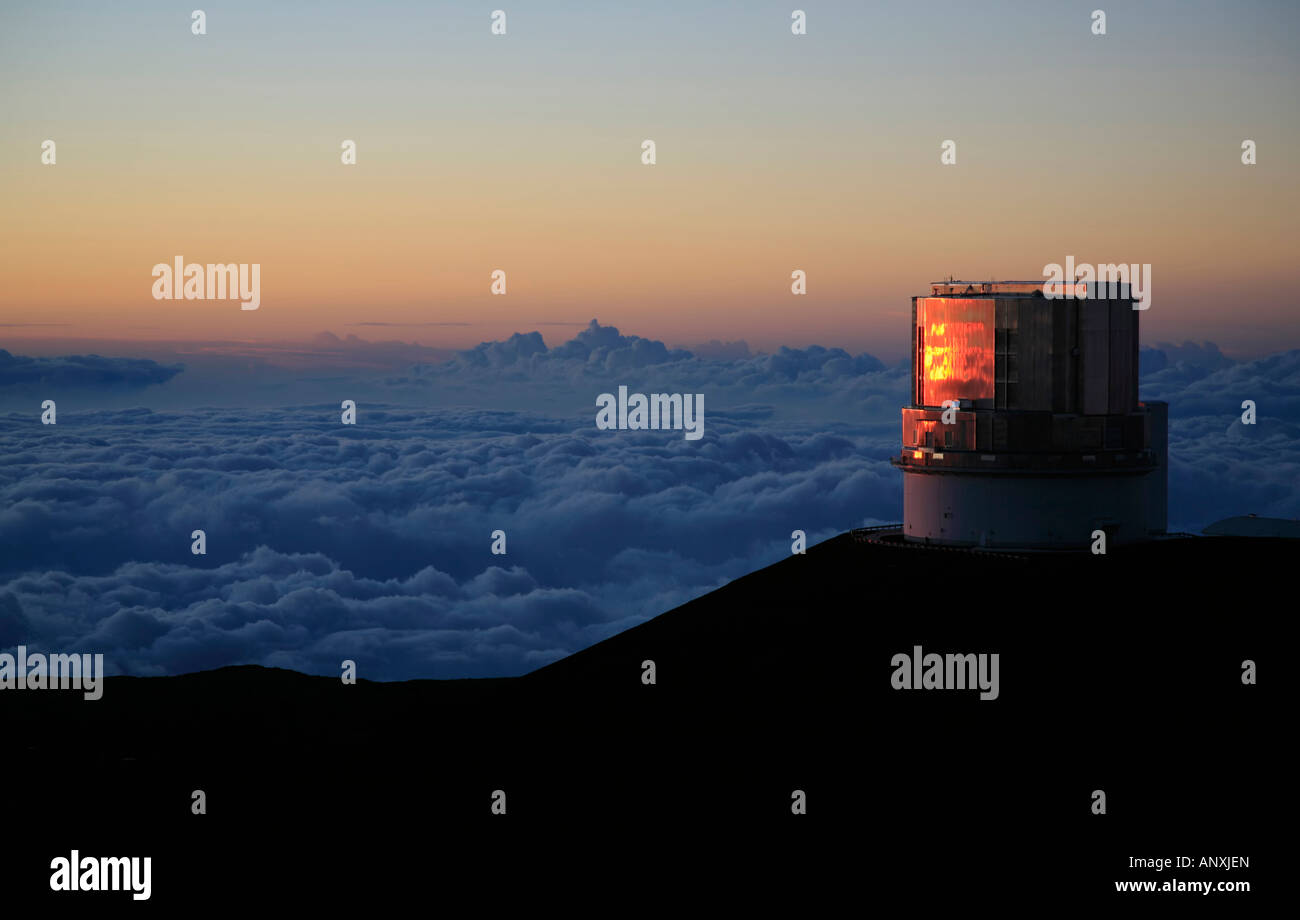 Subaru telescope on summit of Mauna Kea volcano Hawaii - Stock Image