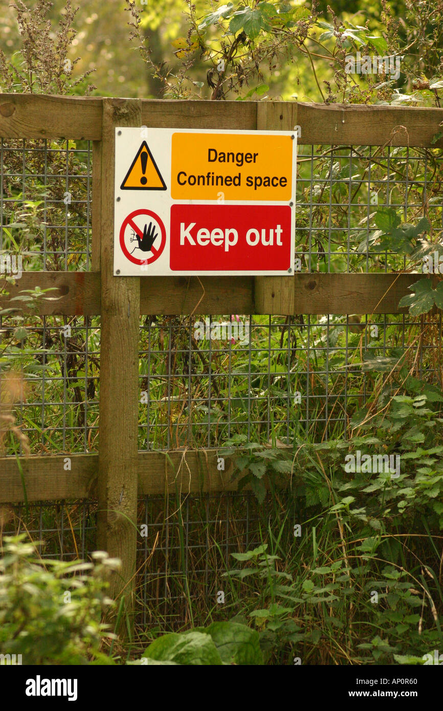 warning sign danger keep out confined space - Stock Image