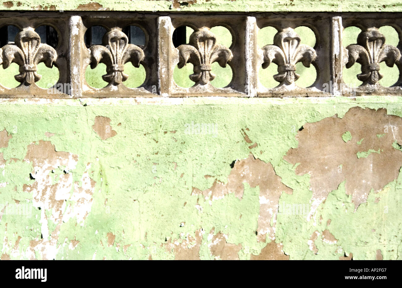 Fleur de Lis on wall Stock Photo: 8944966 - Alamy