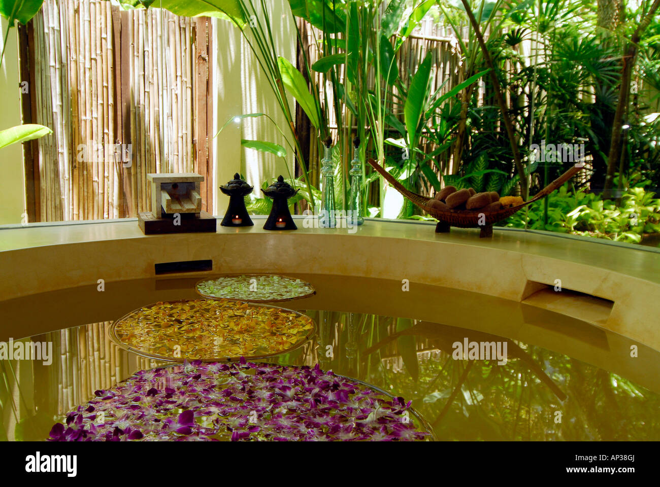 Bath tub in the massage room, Spa, of Hotel Rayavadee, Hat Phra Nang ...