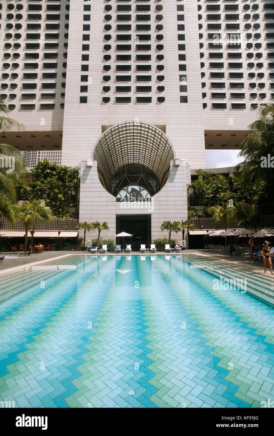 pool area  ritz-carlton hotel  singapore stock photo  15661287