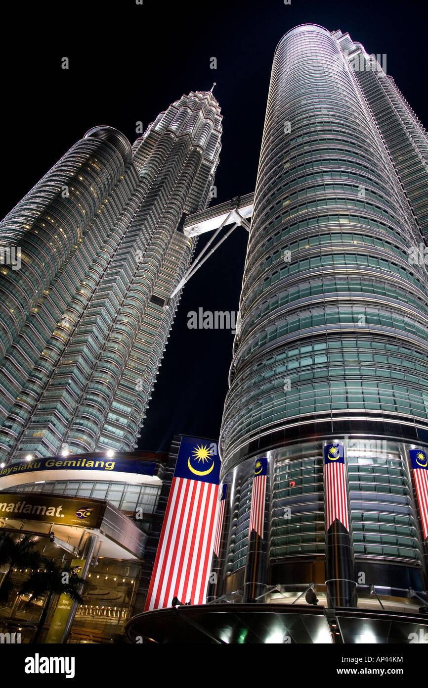 The Petronas Towers in Kuala Lumpur, Malaysia. - Stock Image