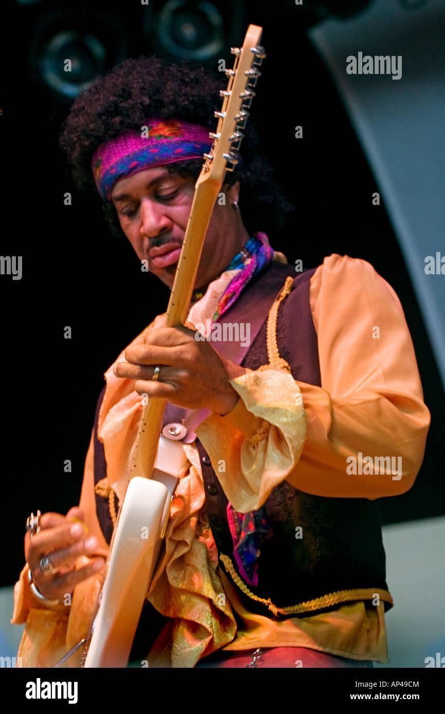 CARLTON POWARD plays tribute to Jimi Hendrix of the SF Summer of Love Revue MONTEREY POP FESTIVAL 2007 CALIFORNIA Stock Photo