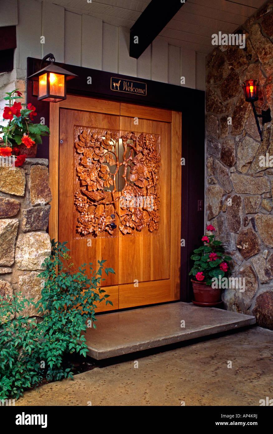Hand carved WOODEN DOORS of STELLAR JAYS IN OAK TREE by the artist WILLIAM SCHNUTE PR & Hand carved WOODEN DOORS of STELLAR JAYS IN OAK TREE by the artist ...