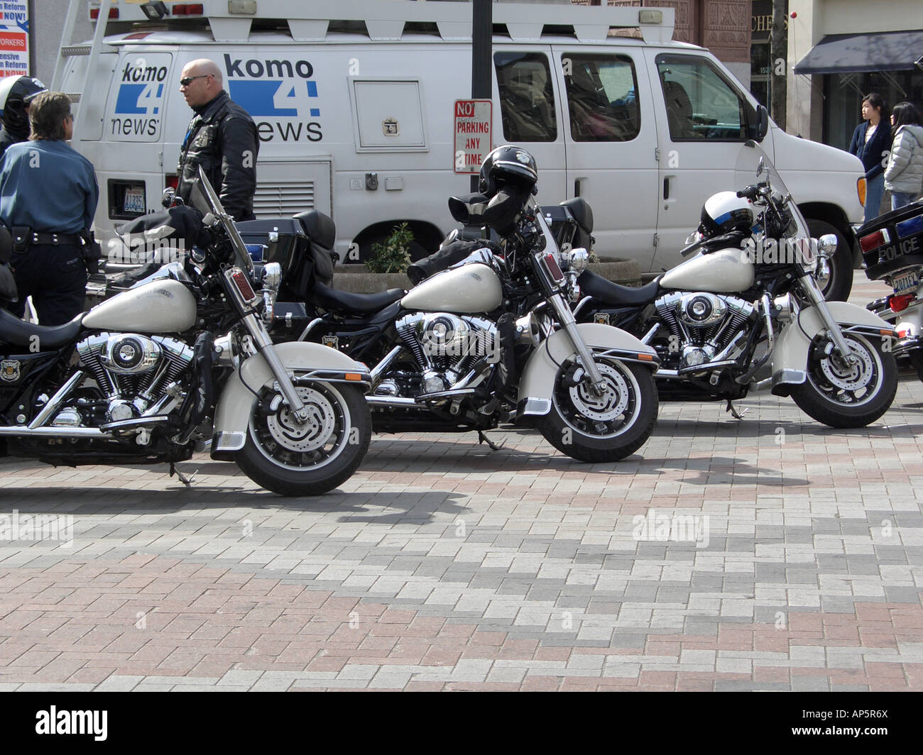 Harley Davidson Seattle >> Police Harley Davidson Bikes Line Up During A Protest In