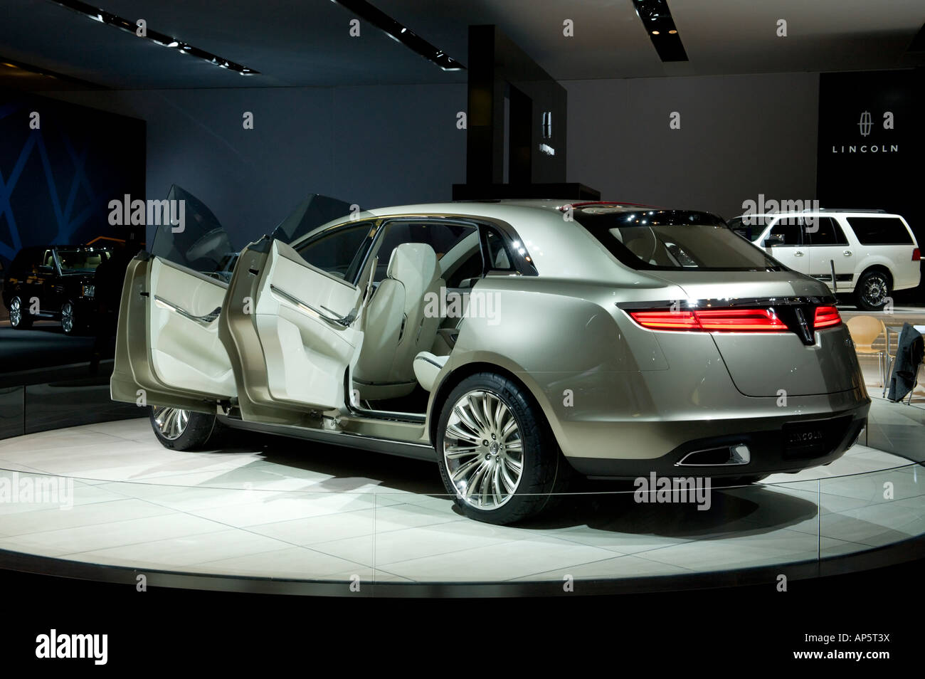 Lincoln MKT concept car at the 2008 North American International ...