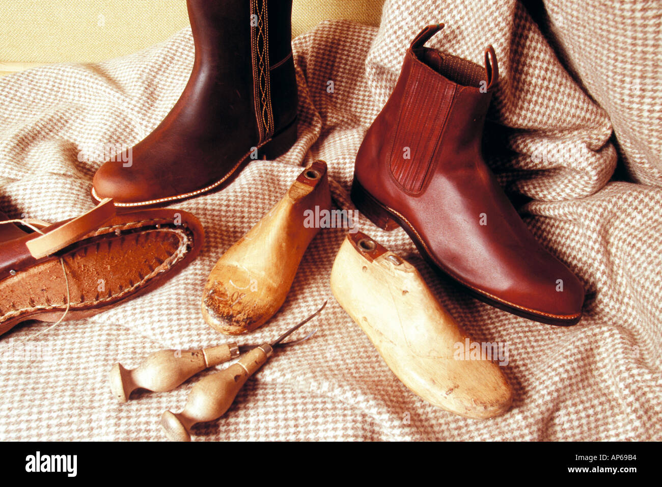 artisan elaboration of footwear in valverde del camino huelva Andalusia Spain - Stock Image