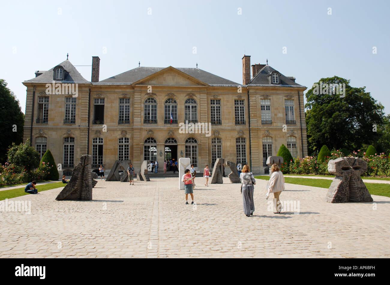 Sculptures By A Visiting Artist Not Rodin At The Museum 79 Rue De Varenne 75007 Paris