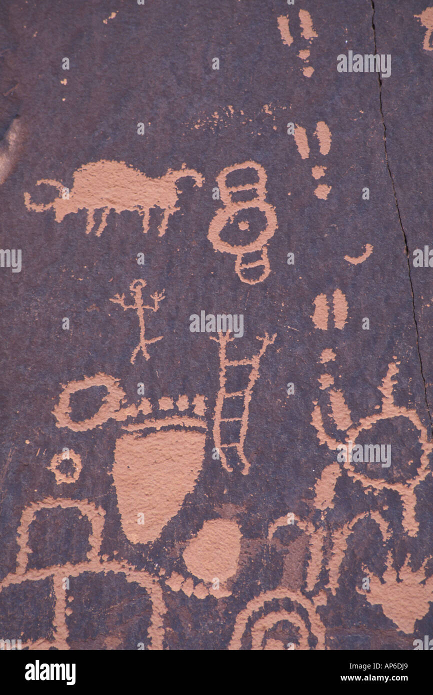 Newspaper Rock, S P , UT Near Monticello  Petroglyphs Stock Photo